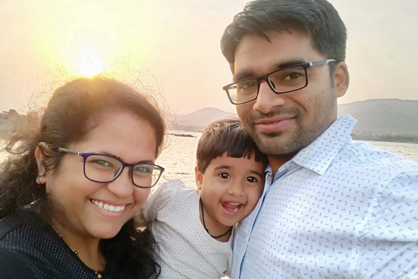 Client Snehal & Avadoot with their Baby