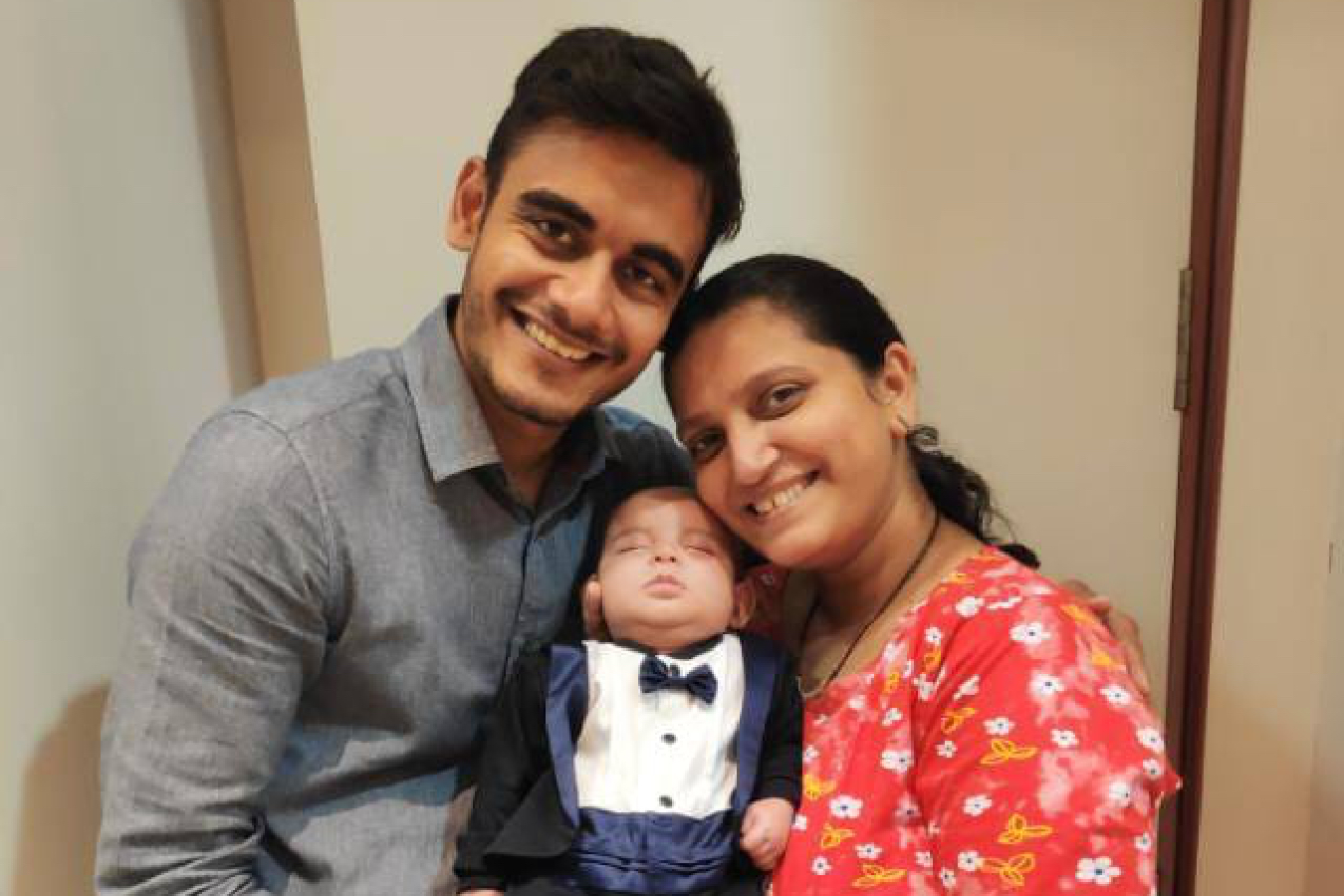 Client Trupti & Dhruv with their Baby