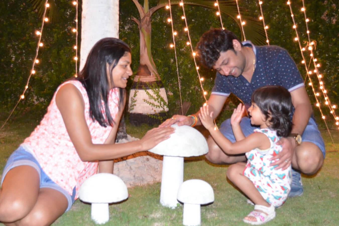 Client Kavita & Prashant with their Child