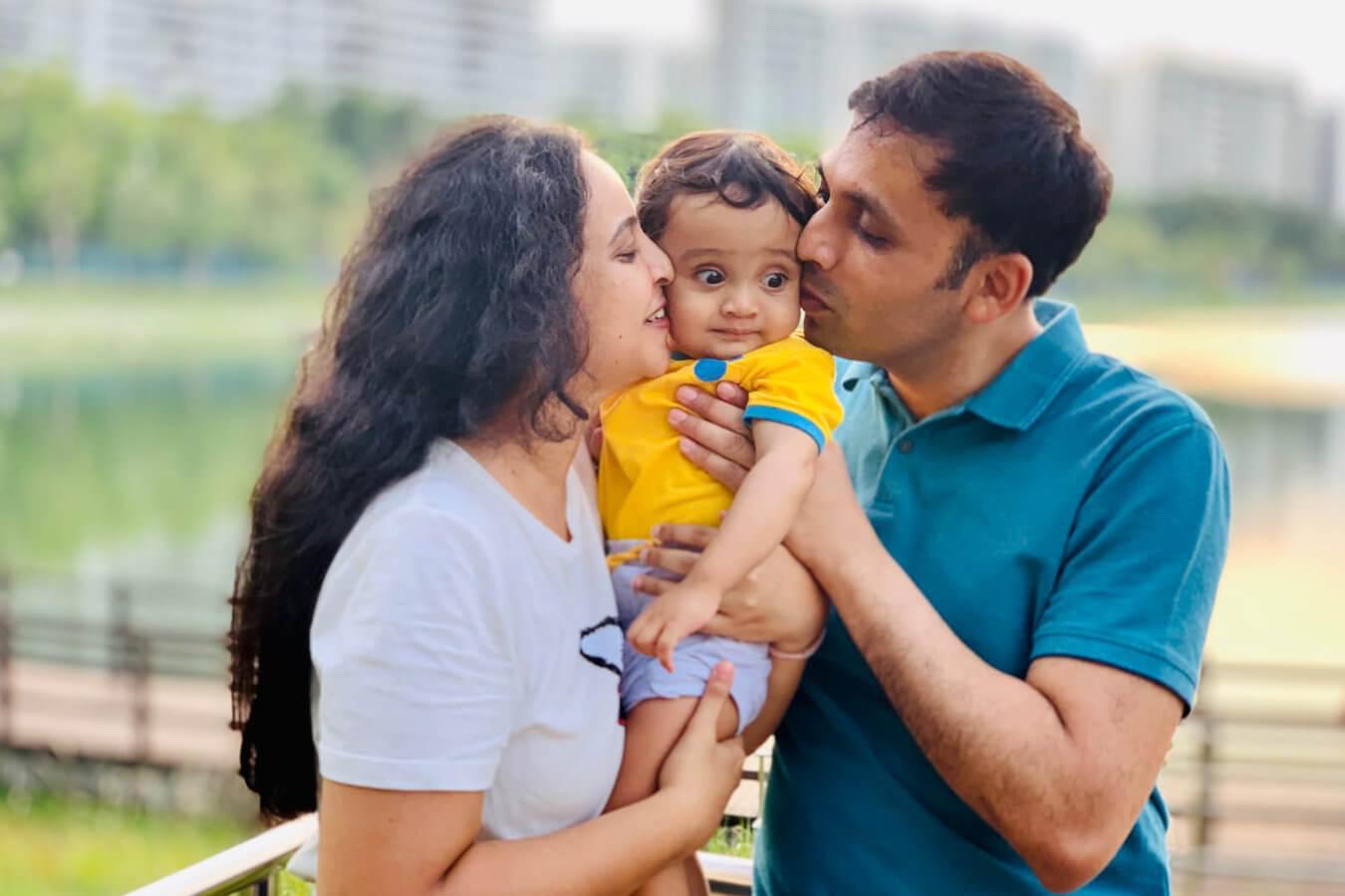 Client Vedashree & Ravi with their Child