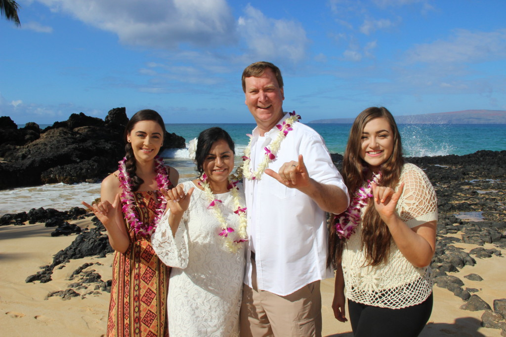 Maui Vow Renewal at Makena Cove beach ceremony family