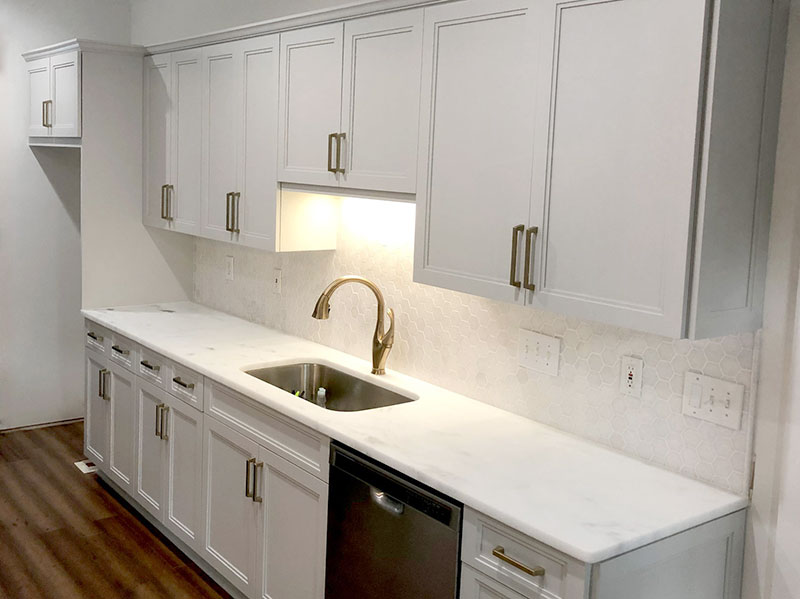 refinishing vs refacing kitchen cabinets