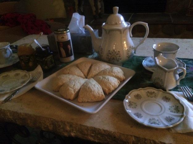 donwton-abbey-tea-set-cerino