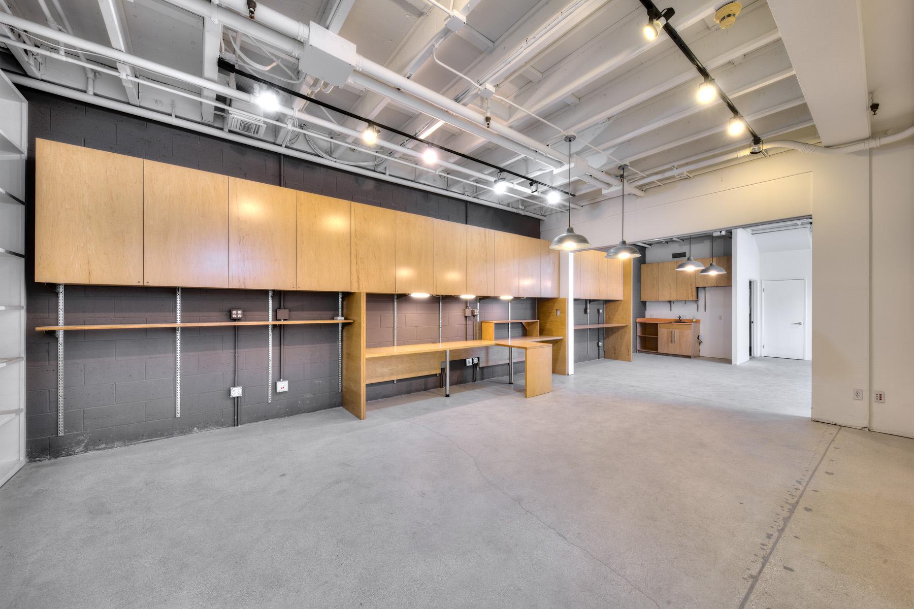 Silicon Beach – Electric Avenue Studios