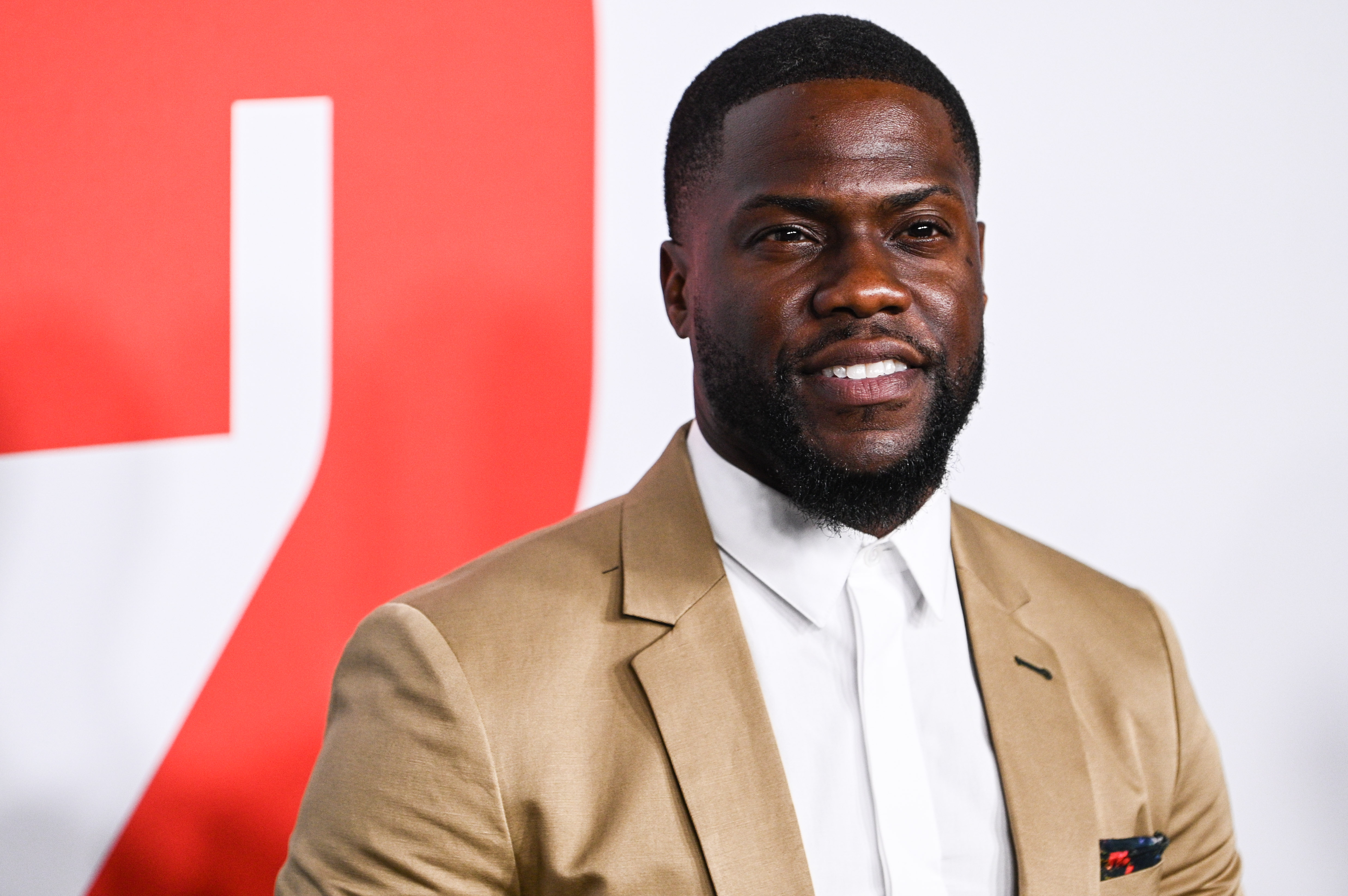 Kevin Hart Back To Work After Car Crash