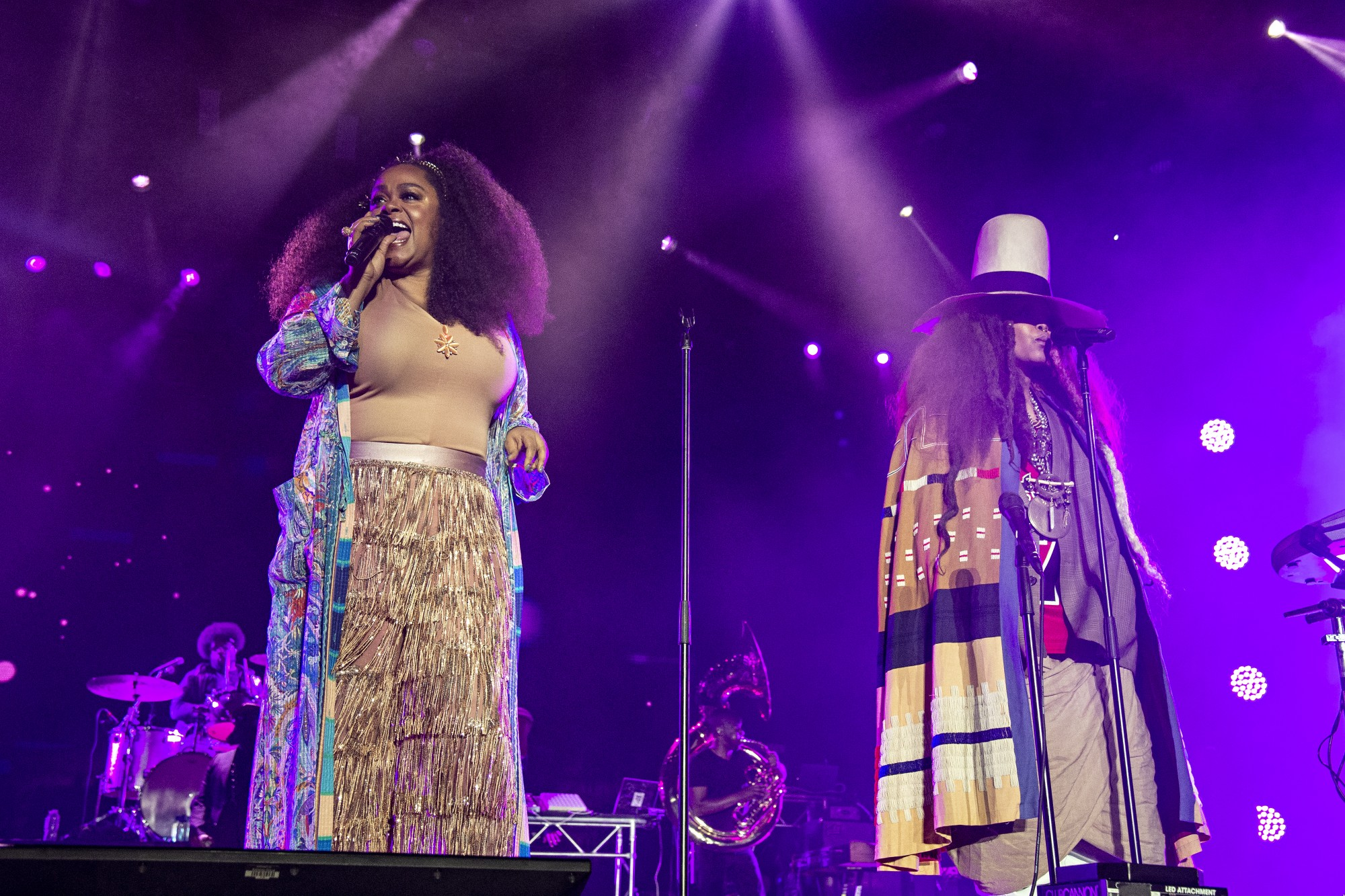 Erykah Badu & Jill Scott Face Off In Verzuz Battle On Instagram