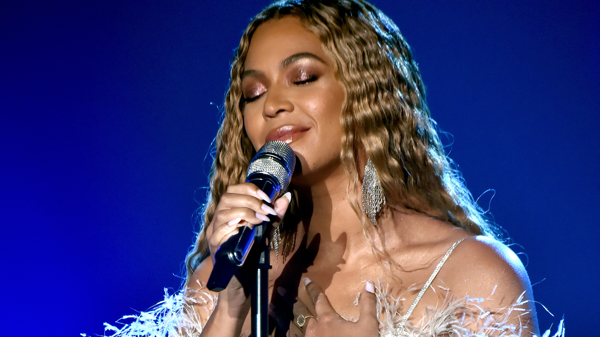 BEYONCÉ'S BEYGOOD TEAMS UP WITH MS.TINA KNOWLES LAWSON TO SUPPORT COVID-19 MOBILE TESTING RELIEF IN HOUSTON