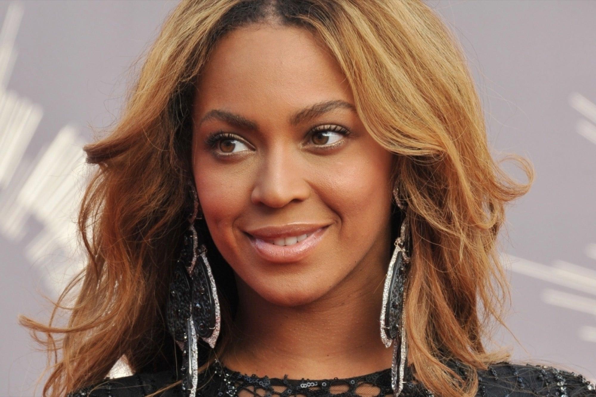 Beyoncé Will Receive Humanitarian Honor at BET Awards