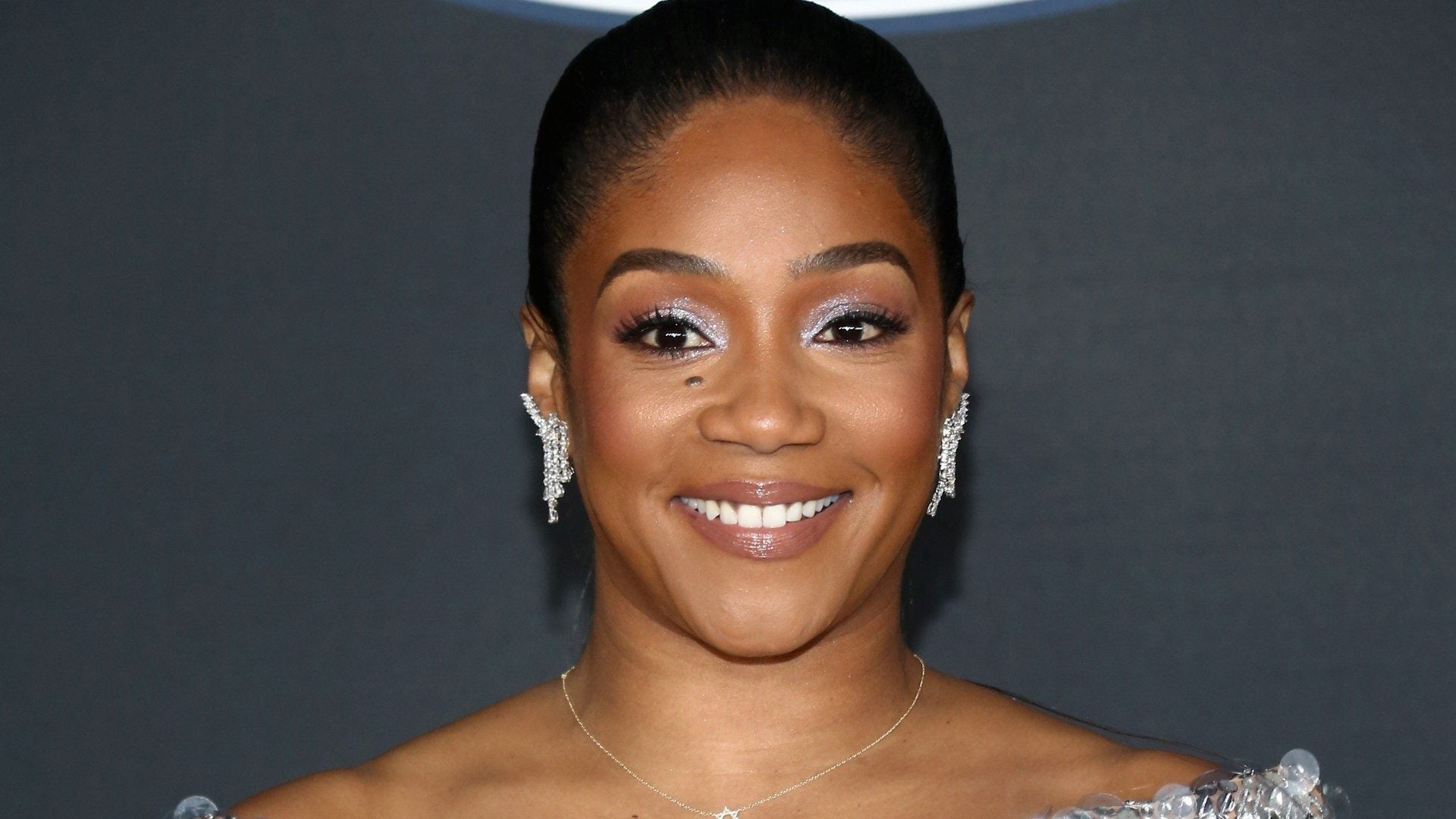 "Tiffany Haddish Shaves Head ""I want to see my Scalp"""