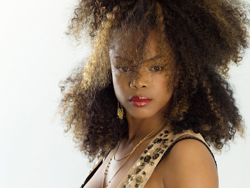 """Singer Leela James Leads Drive Thru Voters Rally """"This Hits Home"""" in Houston"""