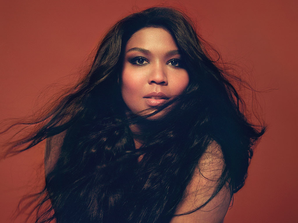 Lizzo-cr-Luke-Gilford-fan-2020-billboard-768-1598371357-1024x768