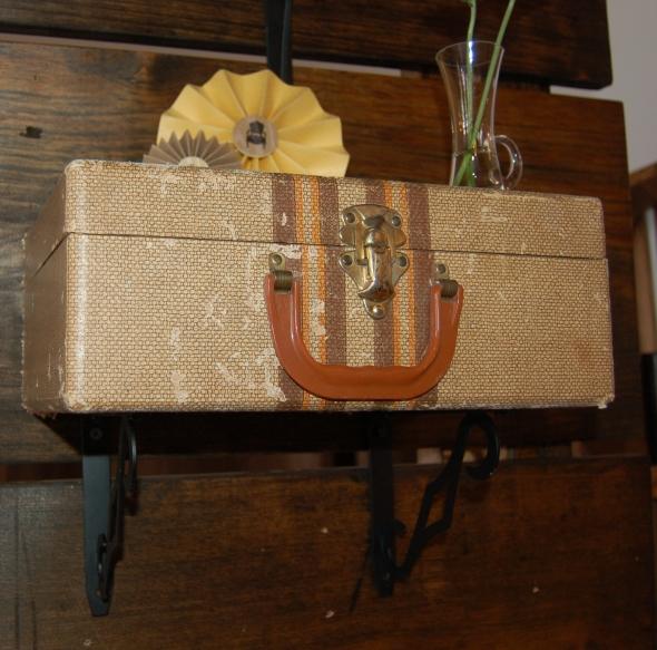 suitcaseshelf2