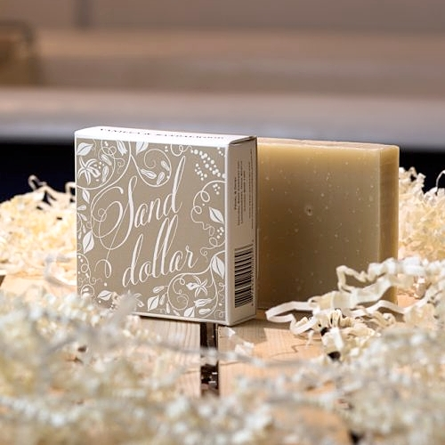 Pearl & Daisy - Sand Dollar Soap Bar – Sandalwood and Vanilla