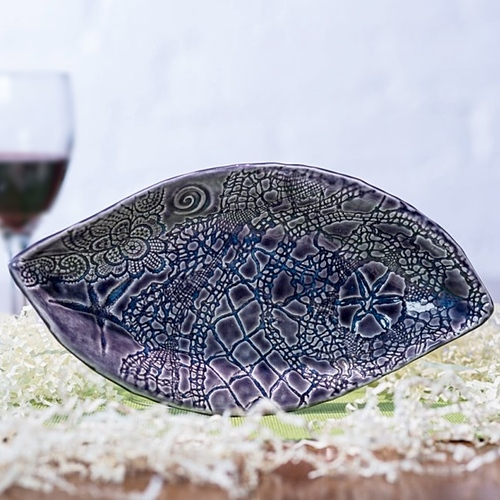 Pottery With Purpose – Leaf Serving Dish / Bowl