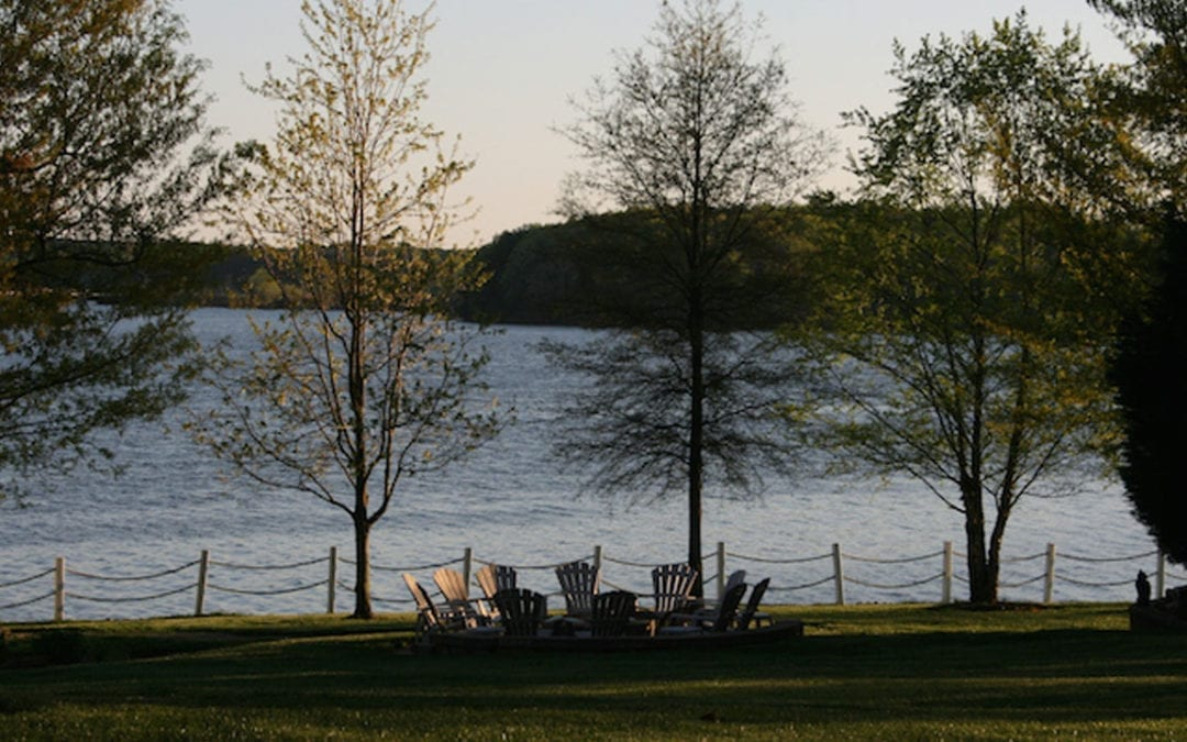 How to Rent a Vacation Home on Lake Norman