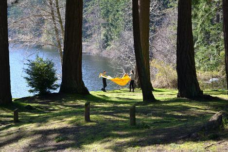 Goss Lake Park, winter picnic in the sun!