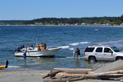 Public boat launch at Mutiny Bay Beach