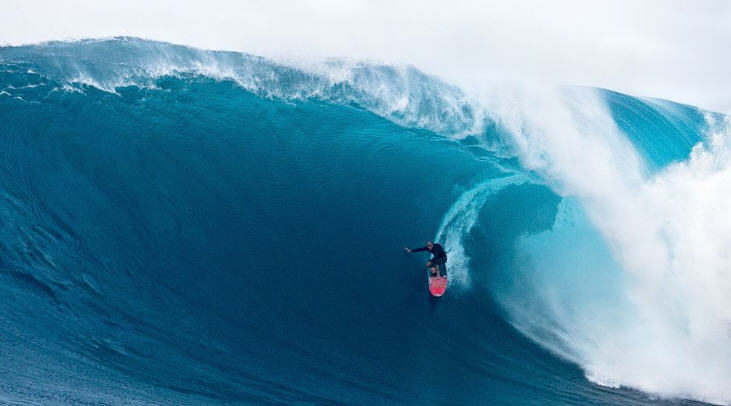 Surfing Jaws, Hawaii