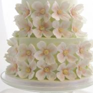 Spring dogwoods wedding cake