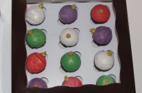 mini ornament cupcakes