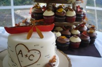 Muskoka fall wedding cupcakes