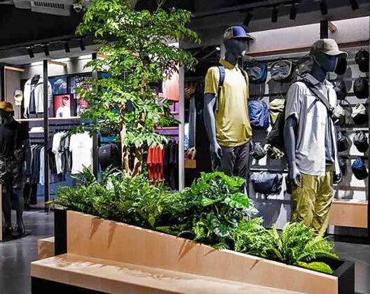 """Arc'teryx's store has four """"experiential huts"""""""