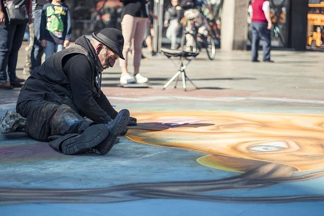 Teenager Uses Creativity to Give Homeless Kids Hope