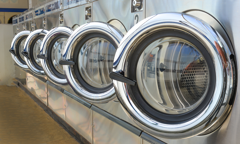 10 Benefits of Using a Laundry Pickup and Delivery Service