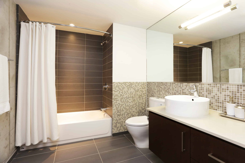Memorial Luxury Loft bath