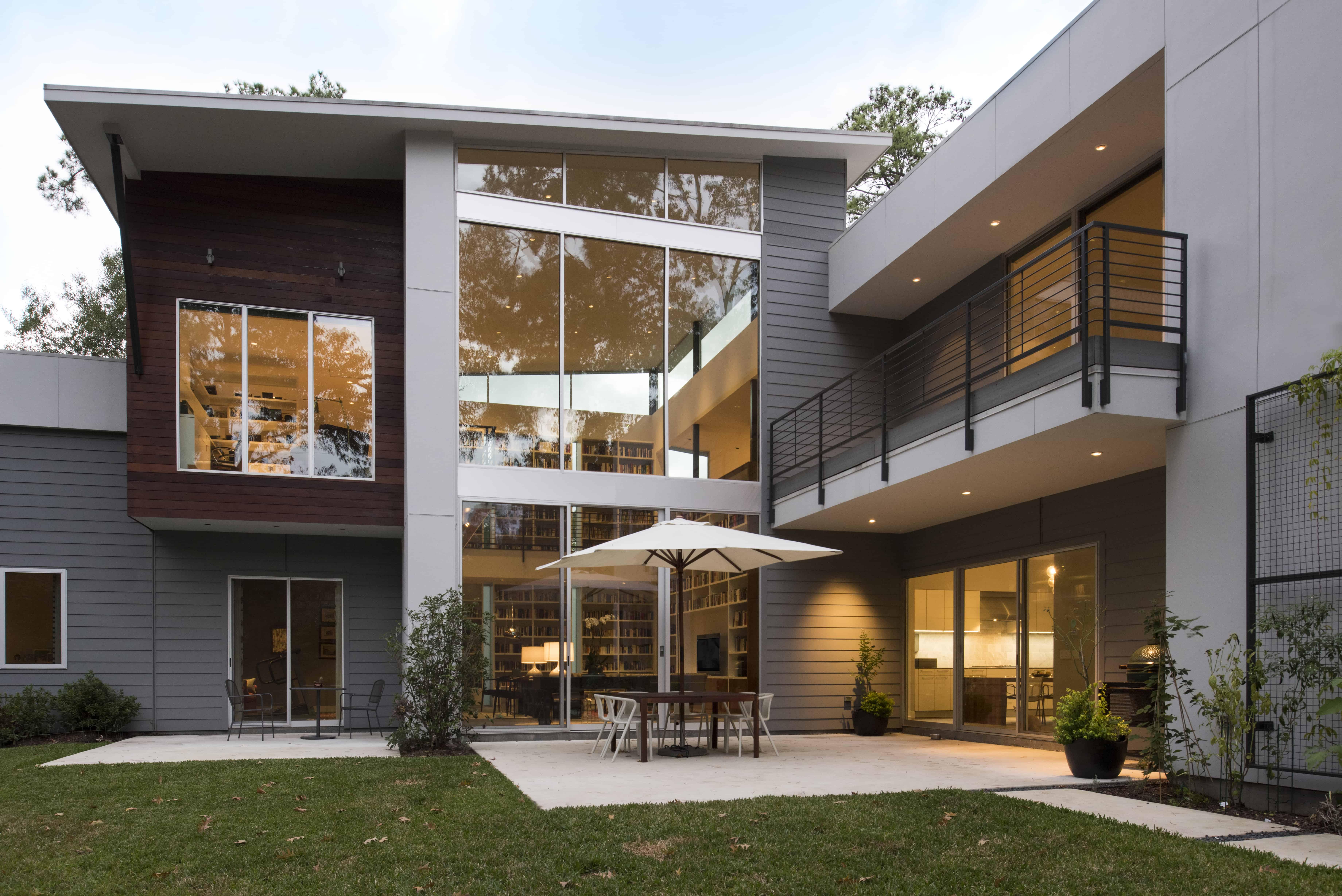 Hunters Creek Memorial Modern Custom Home Backyard