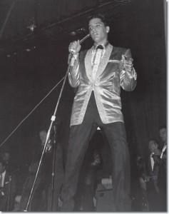 ElvisConcert17
