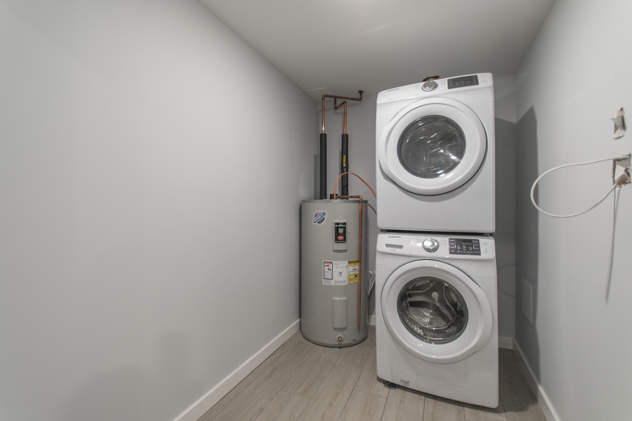 included washing machine in luxury manayunk apartment