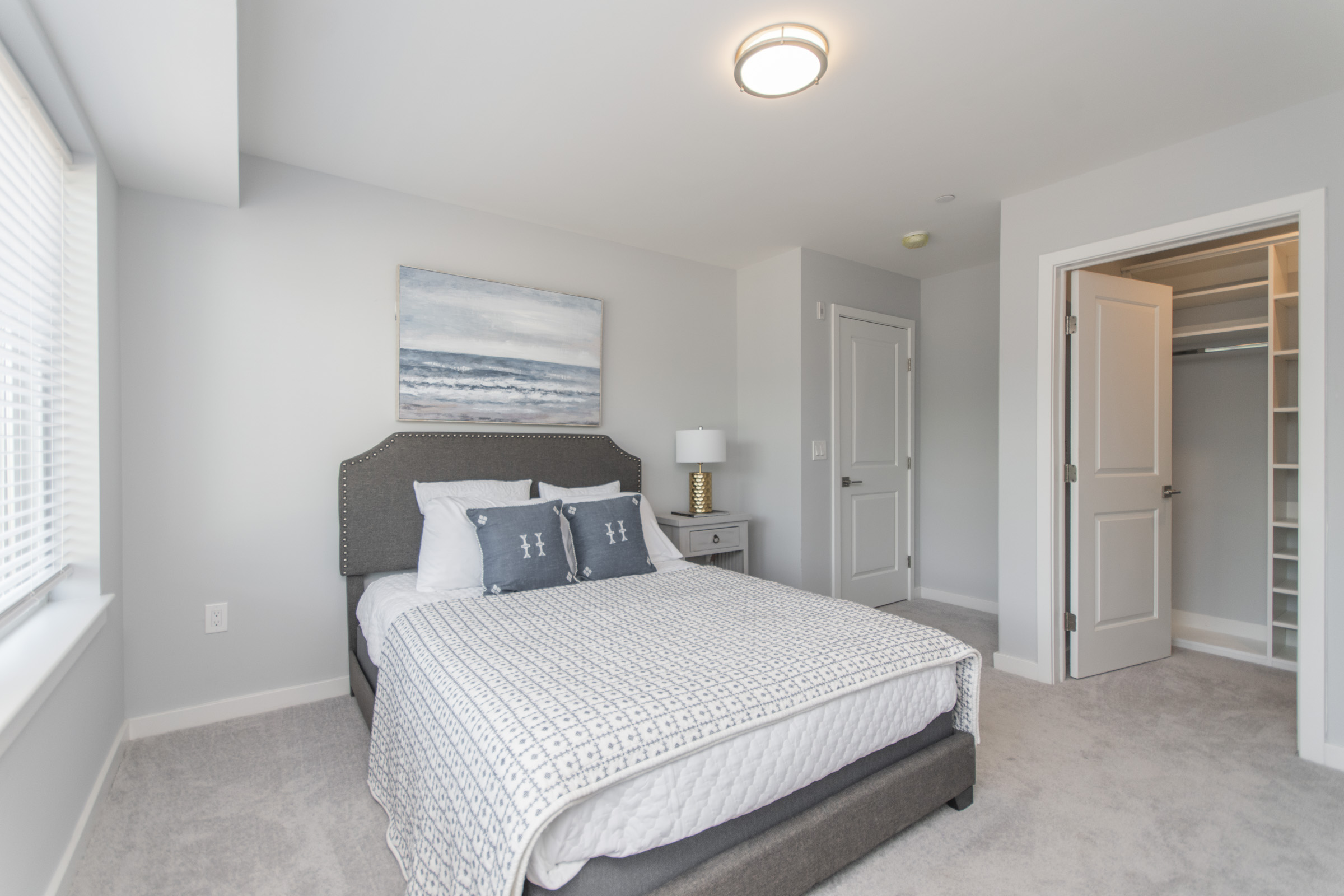 luxury bed in manayunk apartment