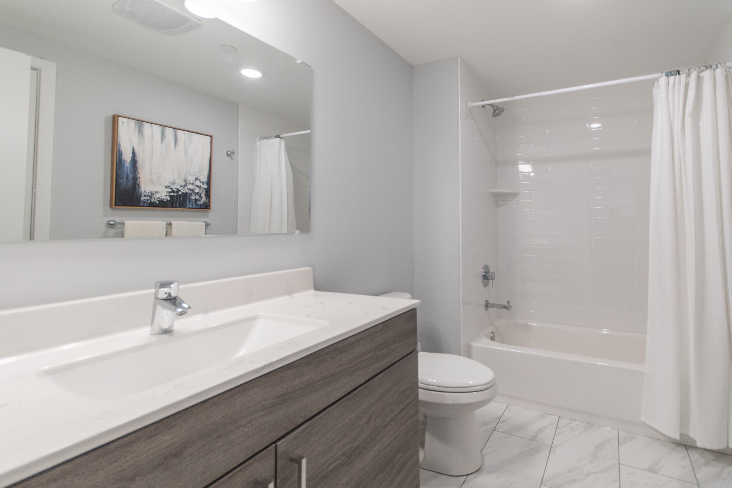 clean luxury bathroom in manayunk apartments