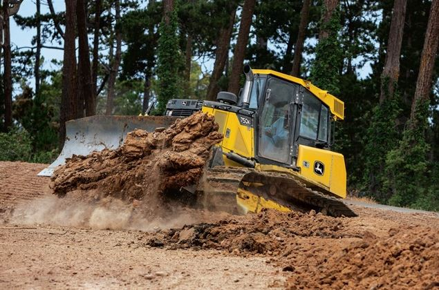 John Deere 750K Crawler Dozer Specifications