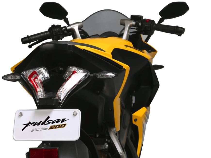 bajaj pulsar rs 200 Bike 5