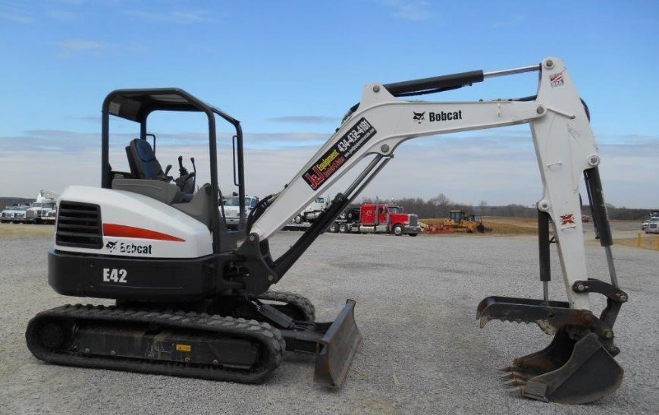 Bobcat E42 Mini Excavator Specifications