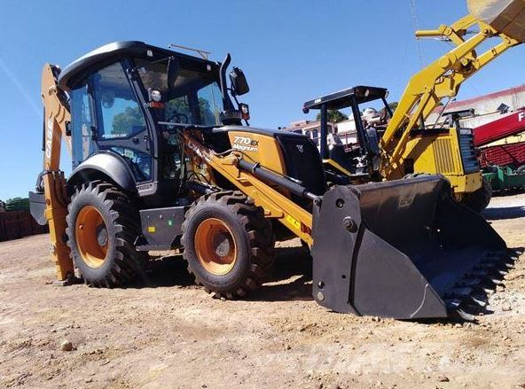 Case 770EX MAGNUM Backhoe Loader Key Features