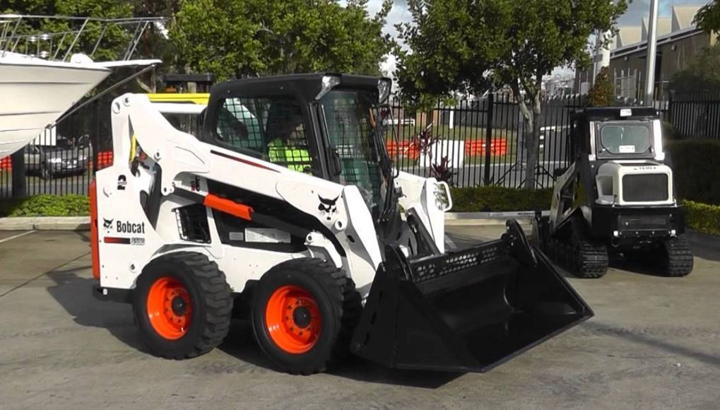 Bobcat S590 Mini Skid-Steer Loader