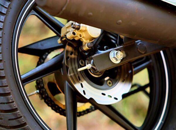 TVS Apache RTR 180 brakes