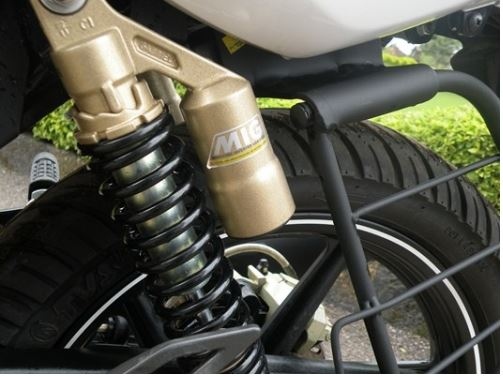 TVS Apache RTR 180 suspension