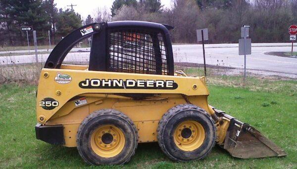 John Deere 250 Skid Steer Review Oil Capacity Specs Price & Images