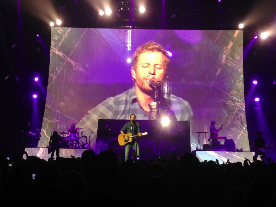 Dierks Bentley Touches Down At Mohegan Sun