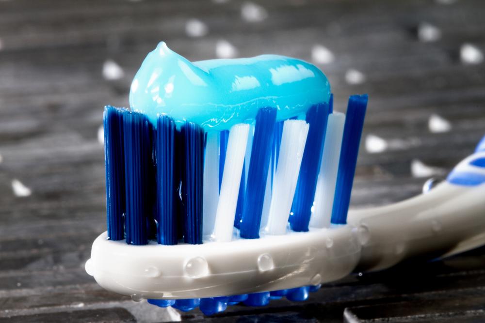 How do dental implants in Jupiter help oral health?