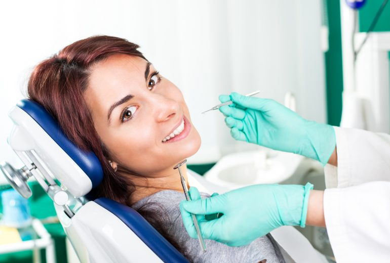 what is a cosmetic dentist west palm beach?