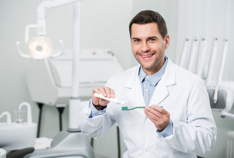 what is a dentist west palm beach?