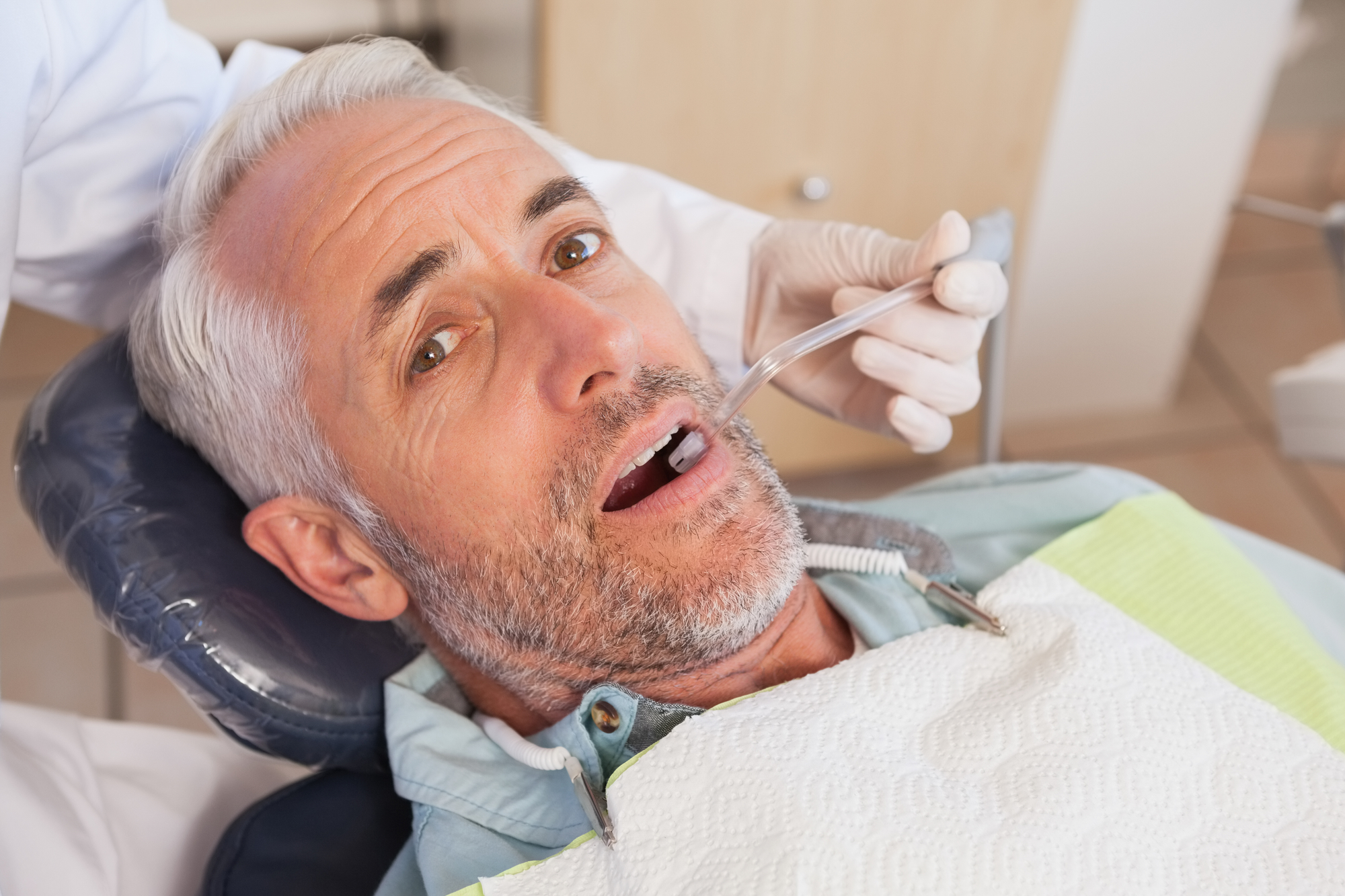 who does a tooth extraction west palm beach?