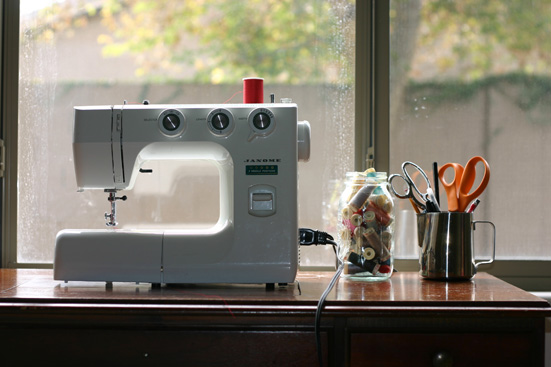 clean sewing table
