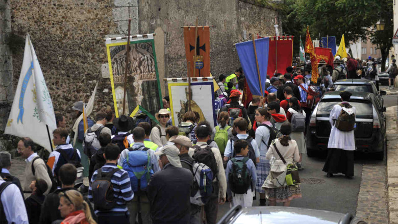 Youth Pilgrimage at Chartres Cathedral by photographer Jill K H Geoffrion