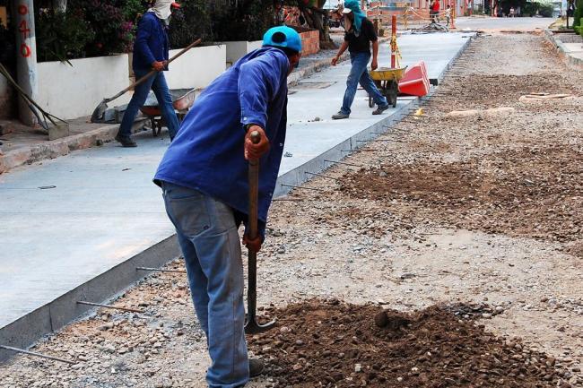 Alcalde recorrió obras de pavimentación realizadas en su gobierno